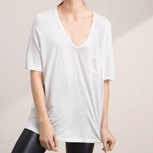 ARITZIA / WILFRED FREE / POCKET VNECK TEE LARGE